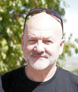Dr Tim Munday